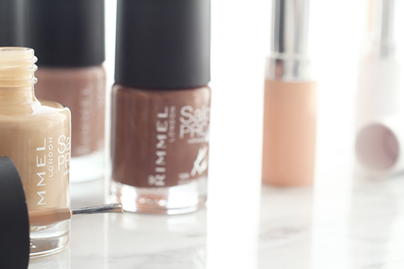 rimmel_kate_moss_dare_to_go_bare_nude_collection03