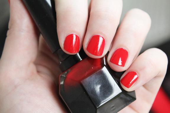 rouge_louboutin_nail_polish06