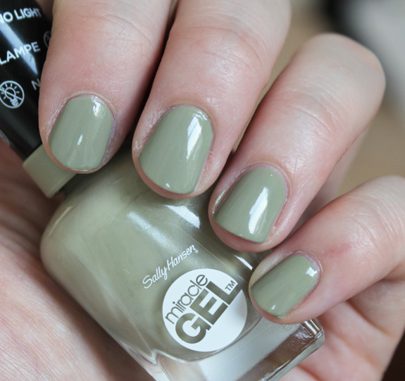 sally_hansen_miracle_gel10