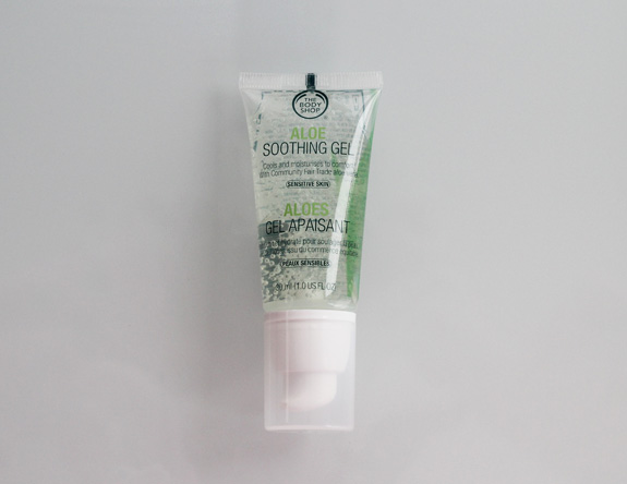 the_body_shop_aloe_gel_soothing_gel02