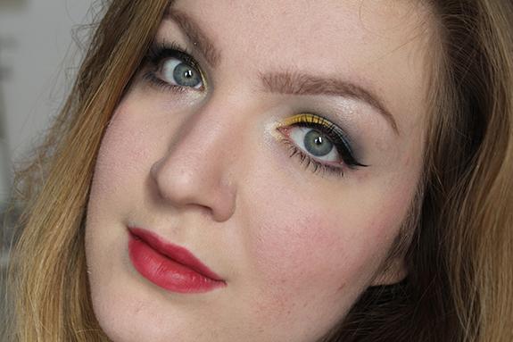 the_body_shop_smoky_poppy_lente_make-up31