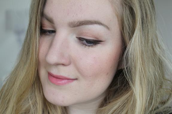 tip_voor_blondines_bruine_eyeliner_miss_sporty05
