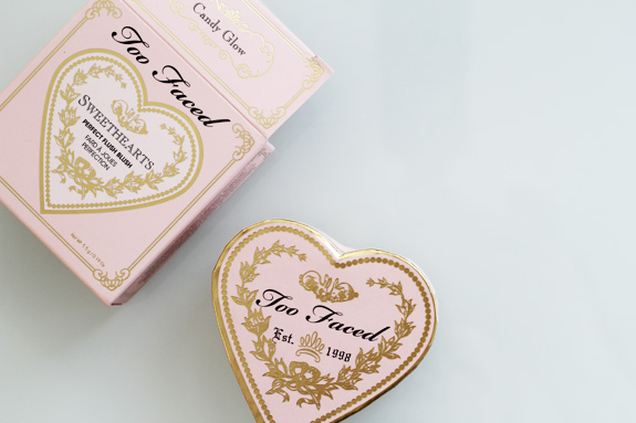 too_faced_sweethearts_perfect_flush_blush_candy_glow03