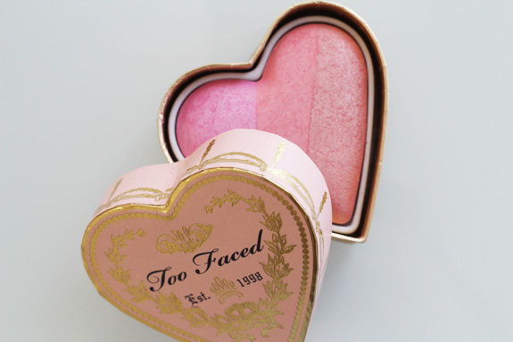 too_faced_sweethearts_perfect_flush_blush_candy_glow04