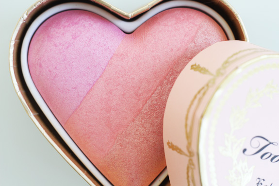 too_faced_sweethearts_perfect_flush_blush_candy_glow05