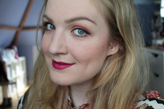 twee_nieuwe_matte_catrice_lipsticks_Matt-Erial_Girl_Sweet_Coraline08