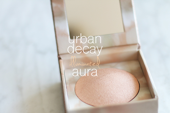 urban_decay_illuminated_shimmering_powder_aura01