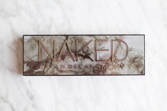 urban_decay_naked_smoky02