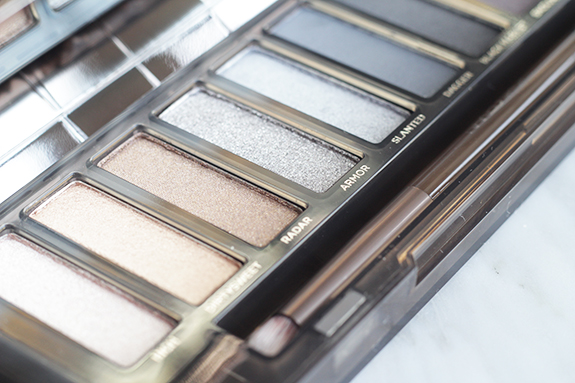 urban_decay_naked_smoky04