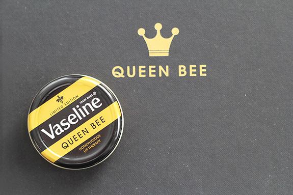 vaseline_queen_bee02