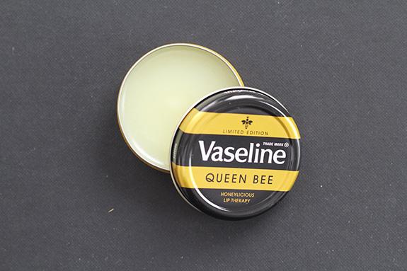vaseline_queen_bee04