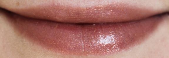 yves_rocher_cherry_oil_lipstick08