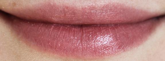 yves_rocher_cherry_oil_lipstick12