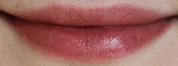 yves_rocher_cherry_oil_lipstick14