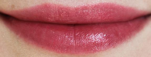 yves_rocher_cherry_oil_lipstick16