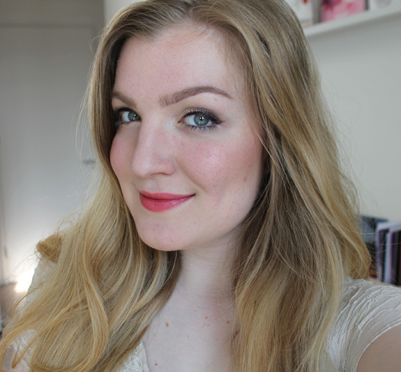 yves_rocher_cherry_oil_lipstick17