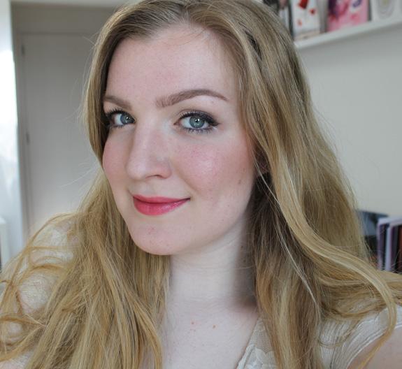 yves_rocher_cherry_oil_lipstick19