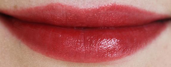 yves_rocher_cherry_oil_lipstick22