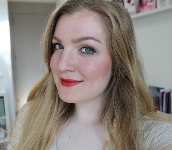 yves_rocher_cherry_oil_lipstick23