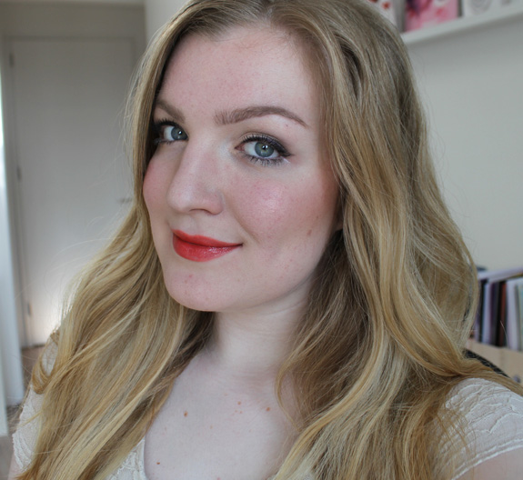 yves_rocher_cherry_oil_lipstick27