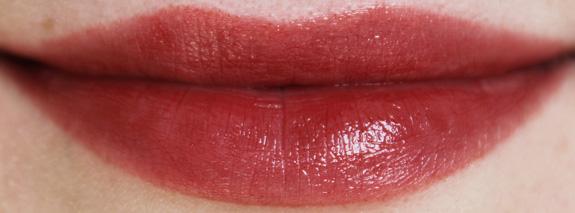 yves_rocher_cherry_oil_lipstick28