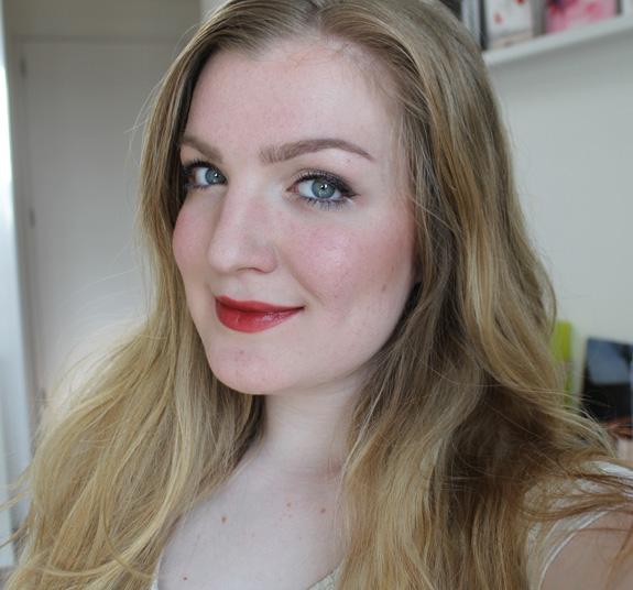 yves_rocher_cherry_oil_lipstick29