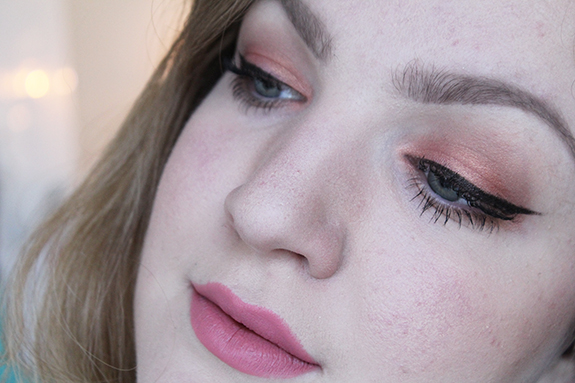 zoeva_rose_golden_eyeshadow_palette09