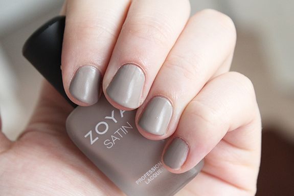 zoya_satin_professional_lacquer08